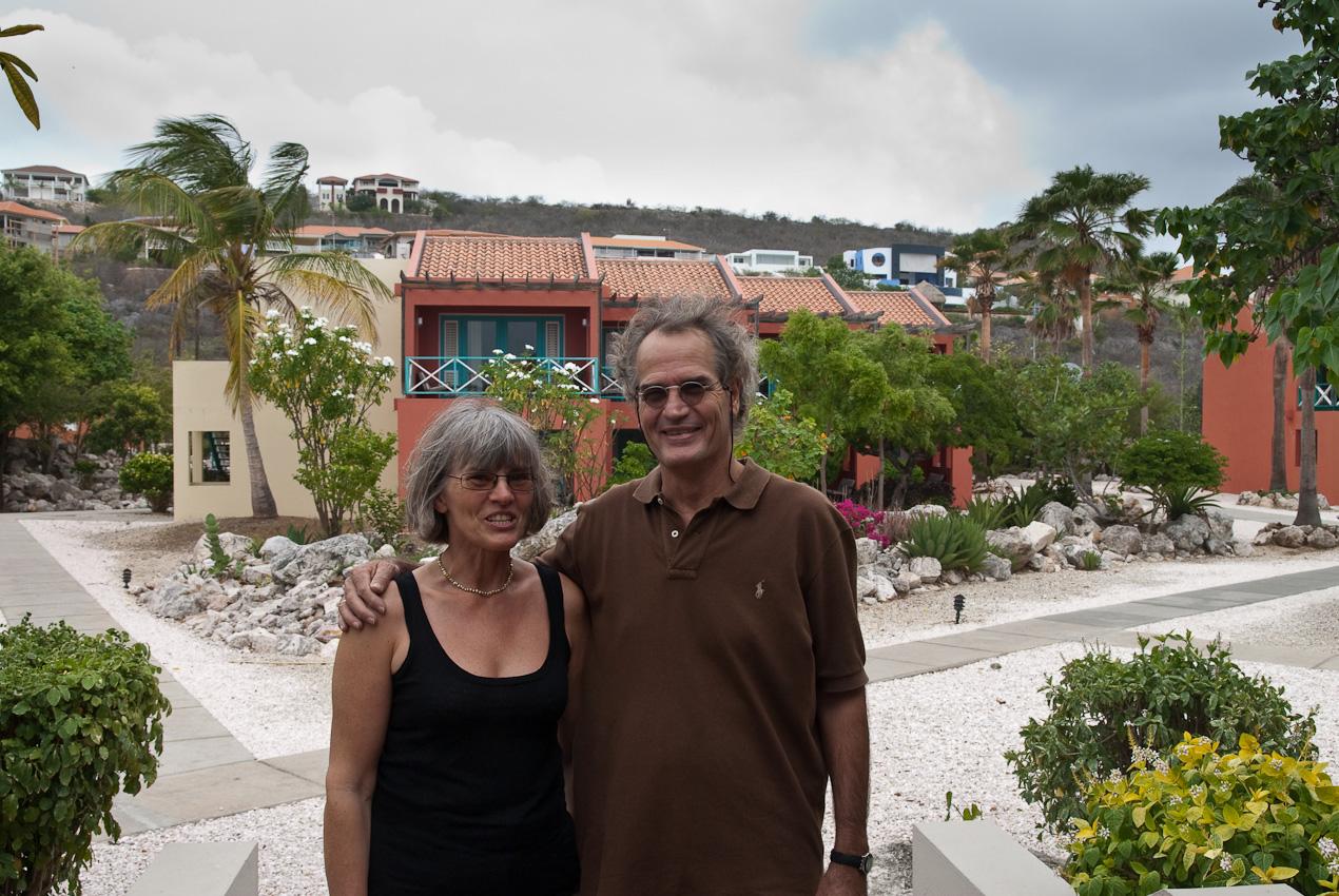 Steina med George, ägaren av 'Ez Travel Caribbean' som ordnade alla lokala bokningar för oss