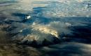 en av många glaciärer sedd från flygplanet