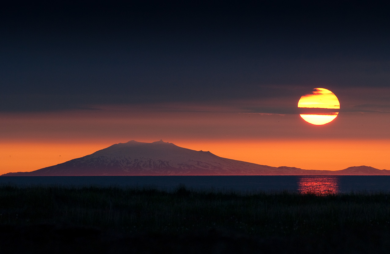 Snæfellsjökull far out (100 km) with midnight sun