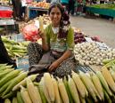 försäljerska på marknaden i Izmir
